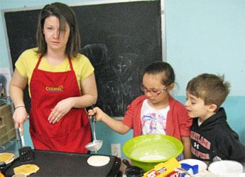 Celebree-Learning-Centers-Eldersburg-Children-Make-Pancakes-2