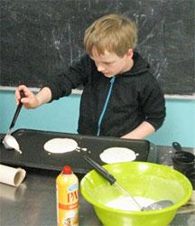 Celebree-Learning-Centers-Eldersburg-Children-Make-Pancakes-3