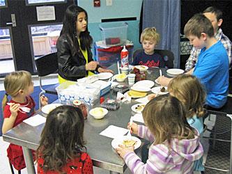 Celebree-Learning-Centers-Eldersburg-Children-Make-Pancakes-4